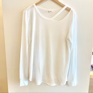 LNA White Thermal with Cutout Detail Medium